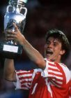 Brian LANDRUP - 26.06.1992 - Euro 1992 - Coupe d Europe - Danemark - Foot Football - largeur attitude joie cri coupe trophee victoire   Im1031736