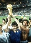 1982 World Cup Final, Madrid, Spain, 11th July, 1982, Italy 3 v West Germany 1, Italy's Paolo Rossi holds aloft the World Cup trophy on their lap of honour  (Photo by Bob Thomas/Getty Images)