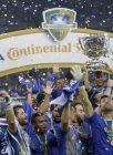MG - CRUZEIRO-FLAMENGO - ESPORTES - Jogadores do Cruzeiro comemoram título após a partida entre Cruzeiro MG e Flamengo RJ, válida pela final da Copa do Brasil 2017, no Estádio do Mineirão em Belo Horizonte (MG), nesta quarta-feira (27). 28/09/2017 - Foto: DANIEL TEOBALDO/FUTURA PRESS/FUTURA PRESS/ESTADÃO CONTEÚDO